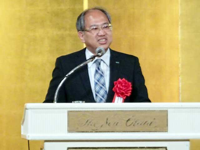同窓会代表の上田忠佳氏